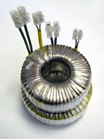 Toroidal power transformers for halogen lamps